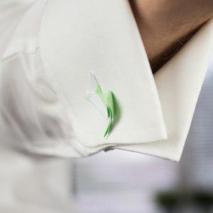 papieren-manchetknopen-in-manchet-achterkant-zelf-maken-DIY