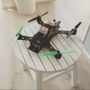aller eerste FPV racing quadcopter 250 Nighthawk