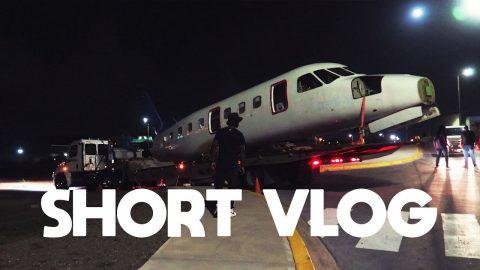 Vliegtuig laten bezorgen op Curaçao en Hondenvoer voor $56